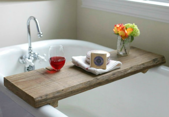 54fe91b6f1d0c-reclaimed-wood-bath-caddy-de